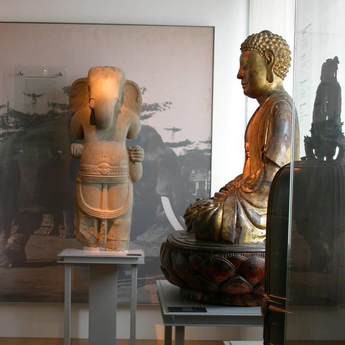 Statuettes rapportées du Pacifique Sud et de la Mer de Chine au Musée Hèbre de St Clément à Rochefort - © Musée Hèbre St Clément